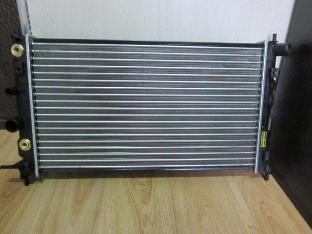 Радиатор охлаждения OPEL 2.5 V6